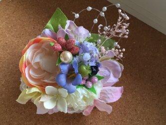 お花のコサージュ ラナンキュラスの画像