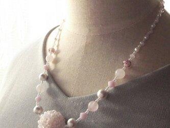 春色Pink ball ネックレスの画像