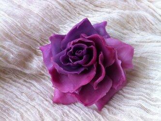 薔薇のコサージュの画像