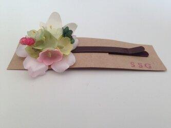 小花のヘアピン(ⅱ)の画像