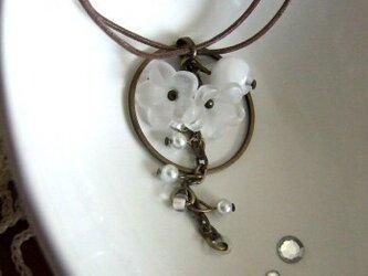 『moonlight flower』ネックレスの画像