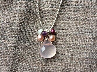 桜色ネックレスの画像