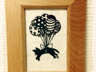 ミニ切り絵・黒ねこ風船の画像