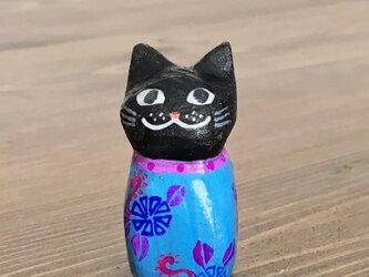 木彫り猫 小さな黒猫の画像