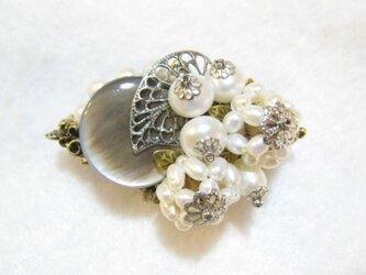 【アンティーク調】黒蝶貝と淡水真珠の帯留の画像