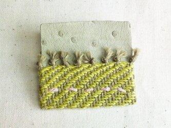 「夜になると2」手織り布・革 ブローチの画像