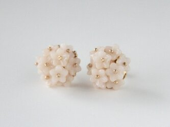 *白いお花のピアス*PB15-9の画像