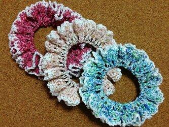 かぎ針編みのラメ入りシュシュの画像