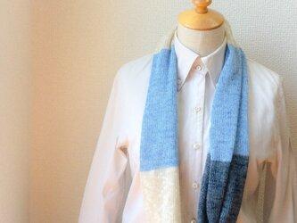 コットンとリネンの機械編みスヌード Lブルー×Bグレーの画像