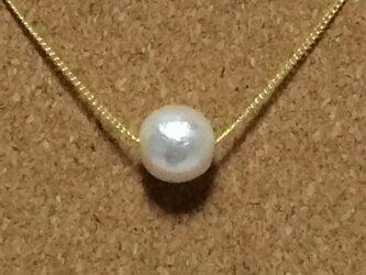 ★1粒コットンパールのシンプルネックレス ホワイトの画像