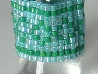 ビーズ織りリング トルコブルー×緑9の画像