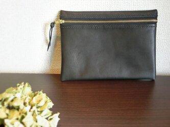 手縫いステッチの牛革フラットポーチ(ブラック)の画像