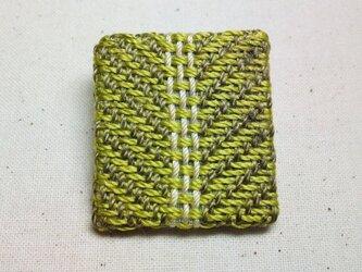 「まんなか1」手織り布 ブローチの画像