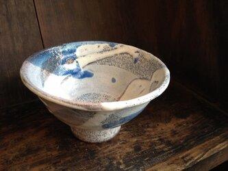 藁灰釉の抹茶茶碗の画像