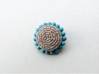 ビーズボタンのブローチ ブルーの画像