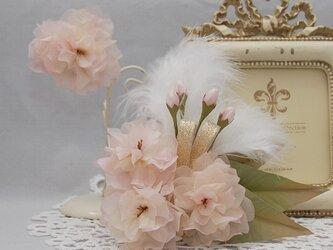 八重桜のコサージュ&ブローチ~Angel's wing ~の画像