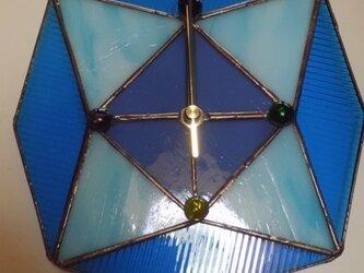 ステンドグラスの掛け時計の画像