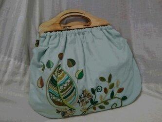 刺繍のグラニーバッグの画像