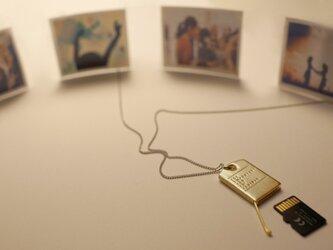 1 G B | Mat Goldの画像