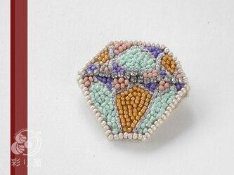 糸とビーズの宝石(オールドマイン・カット)の画像