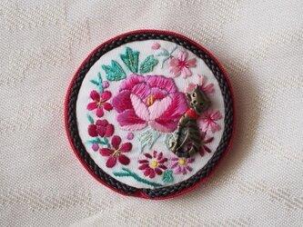 猫「ブローチ」ヴィンテージ手縫い・京刺繍の画像