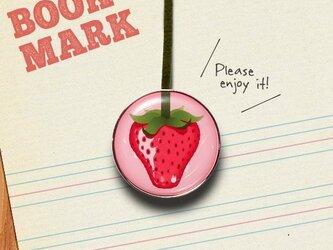 「イチゴ柄のクリップ型ブックマーク」No.210の画像
