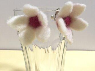 お花のSVイヤリング ①の画像