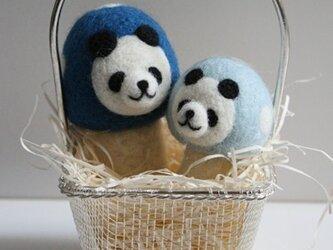 羊毛フェルトキノコパンダのマスコット兄弟セット(青)の画像