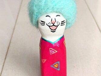 木彫りのアフロ猫 ピンクの画像