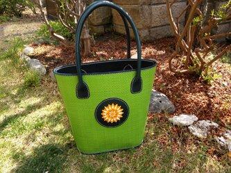メッシュレザーのトートバッグ「花百片」の画像