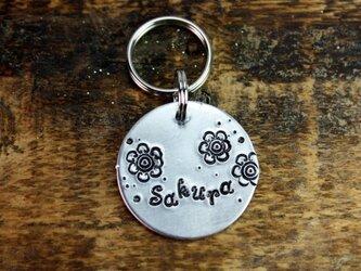 迷子札MD349 ニッケルシルバー 直径2.5cm お花のデザインの画像