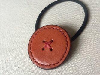 レザー 髪ゴム ボタン3の画像