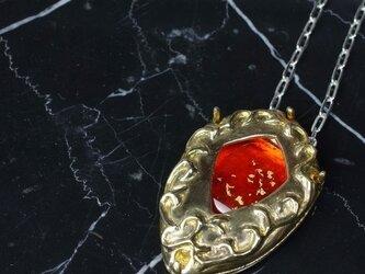 フュージングガラスのアミュレット4(オレンジ・上澄 金)の画像