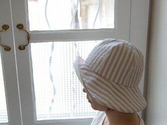 サッカーストライプの夏物帽子(ベージュ)の画像