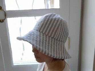 サッカーストライプの夏物帽子(グレー)の画像
