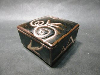 正方形陶箱の画像