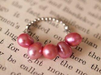 ピンク淡水パールのリングの画像