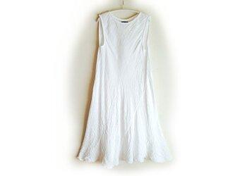 ●バイアスワンピ(フレア・長め)ホワイト/ガーゼ服の画像