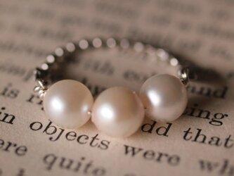 真珠のリングの画像