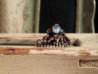 王冠モチーフピンブローチの画像