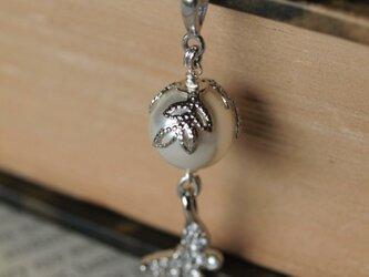 Swarovskiパール & 蝶のネックレス( Sunshine )の画像