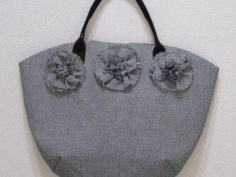 チエックの花バッグの画像
