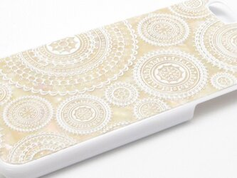 iPhone7/6/6sケース 天然貝仕様(ホワイトレース・白カバー)<螺鈿アート>の画像