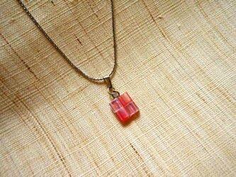 市松ペンダント red hologram + clear hologramの画像