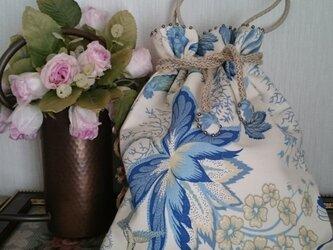 ウィリアムモーリスの布の巾着バッグの画像