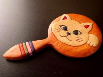 木彫りの手鏡 しろねこちゃん (小)の画像