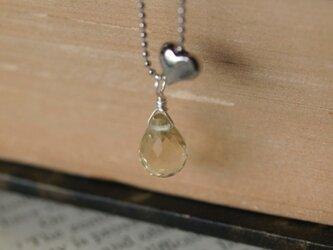 レモンクオーツのハートネックレスの画像