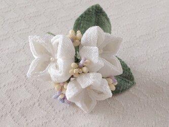 〈つまみ細工〉紫陽花の髪飾り(小・白)の画像