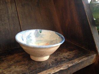 オリーブの葉っぱ柄 色茶碗の画像