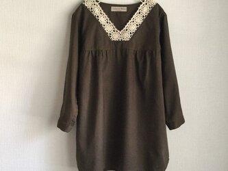 手編みレース衿コットンチュニック(オリーブ)の画像